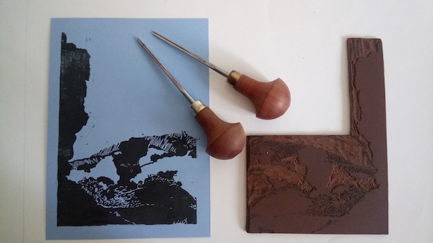 L'estampe et la plaque de lino gravée. Linogravure les Mourres, Luberon
